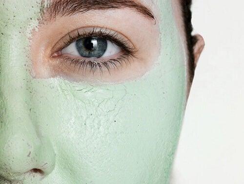 Cómo cuidar el rostro con arcilla