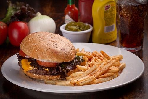 Consumir comida rápida: posibles riesgos