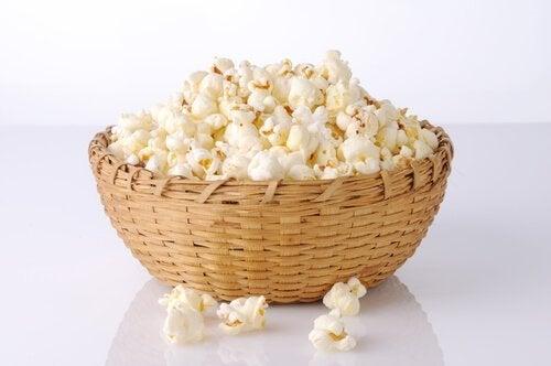 ¿Cuáles son los beneficios de las palomitas de maíz?