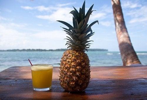 La piña: propiedades saludables y beneficios de esta fruta tropical