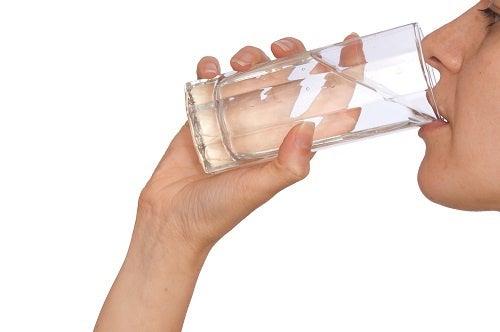 Razones para beber más agua