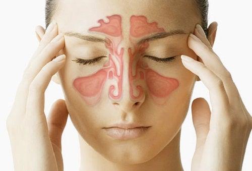4 modos sencillos y eficaces de aliviar el dolor de cabeza sinusal