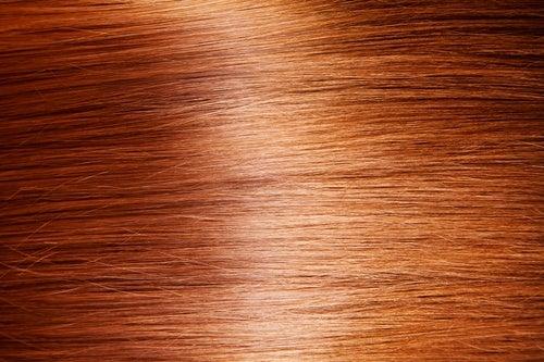 9 maneras sencillas y naturales de dar brillo al cabello