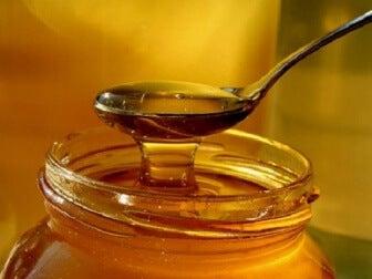 6 beneficios curativos de la miel