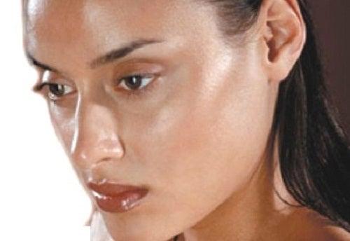 8 formas de combatir la piel grasa