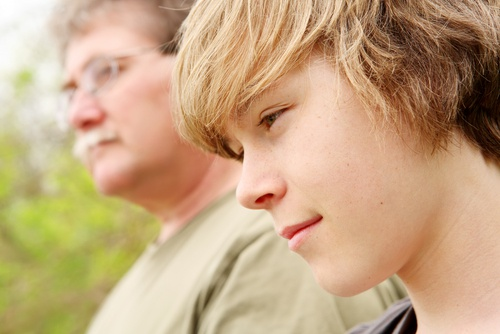 3 claves para educar a un hijo adolescente