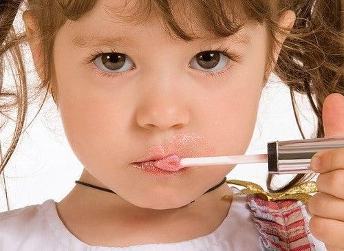 Maquillaje en las niñas: ¿es bueno para su salud?