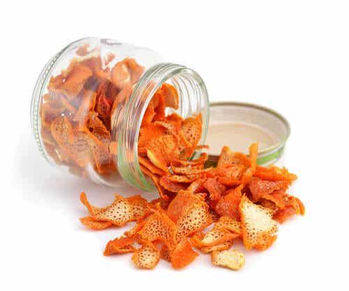 ¿Té de cáscara de mandarina, un remedio para dormir en 5 minutos?