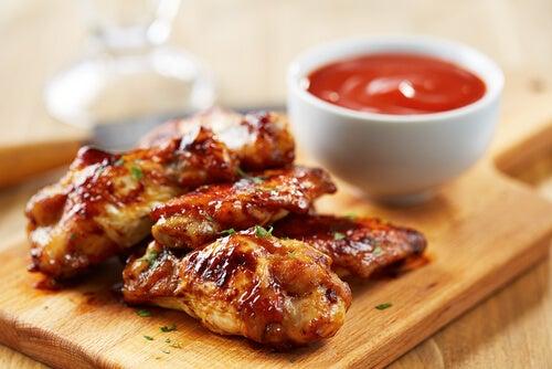 Pollo con salsa sriracha