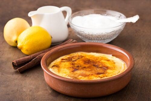 Cómo preparar crema catalana: una receta fácil y rápida