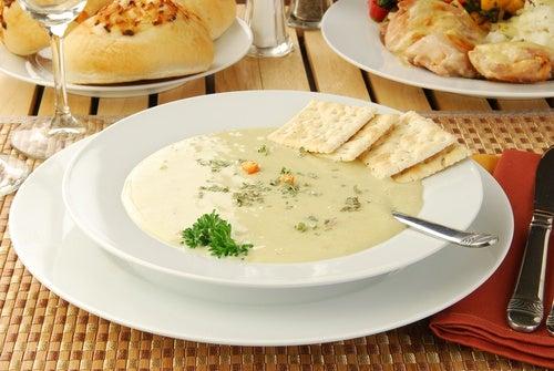 Aprende a cocinar sopa de crema de pollo