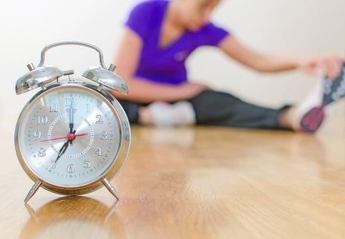6 ejercicios de relajación recomendados para dormir tranquilamente