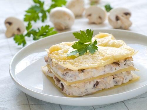 Lasaña con salsa blanca