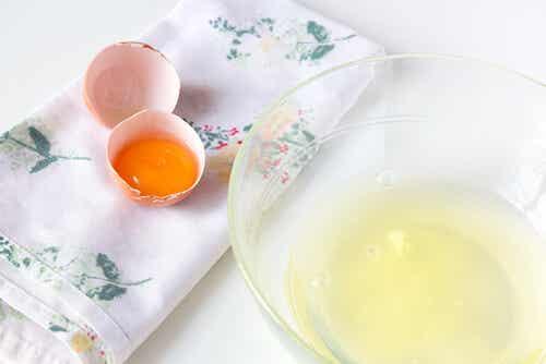 Los beneficios de la clara de huevo para la piel