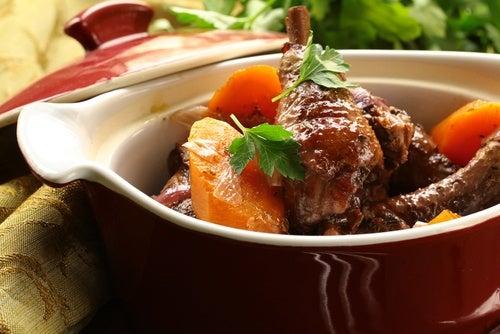 Pollo con cebolla francesa