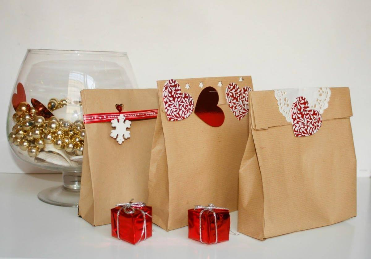 Bolsas y cajas de regalo de navidad