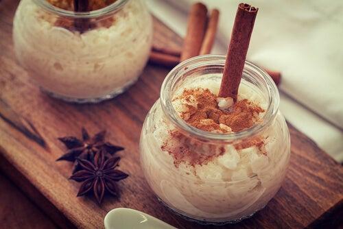 Cómo preparar un arroz con leche bajo en calorías