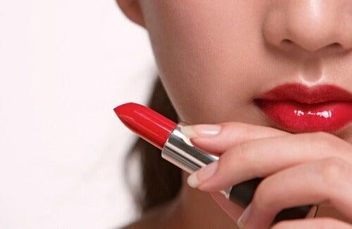 Estos son los productos de belleza que debes dejar de usar