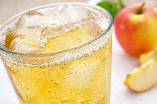 ¿Es malo poner hielo a la bebida?