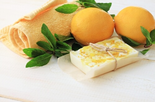 Jabón de glicerina, limón y menta para pieles grasas
