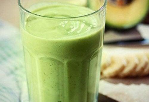 4 batidos para incluir aguacate en tu dieta