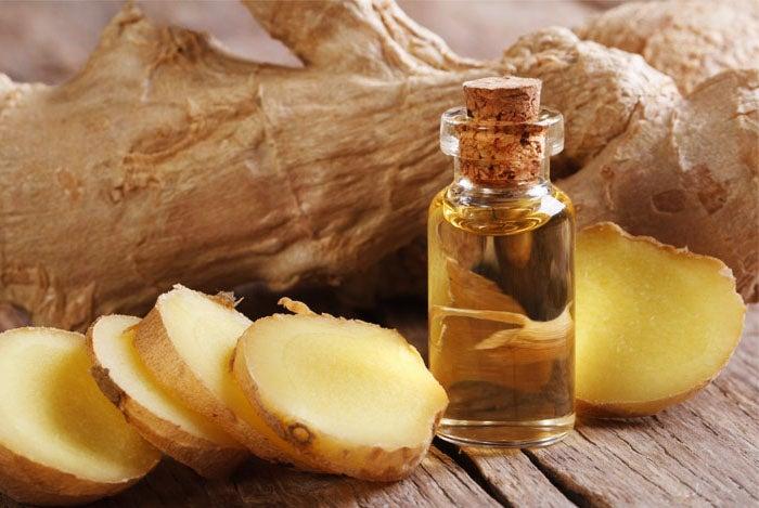 Preparado de jengibre y aceite de oliva para calmar el dolor