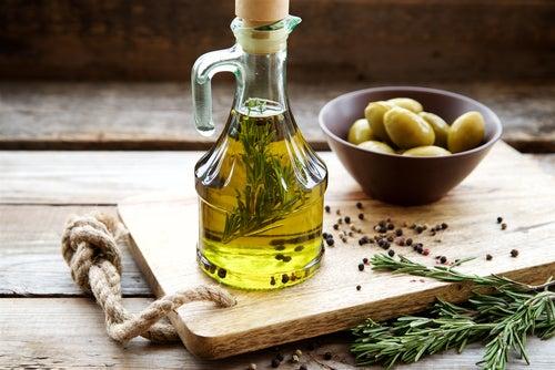 Aceite de oliva, lo mejor de la dieta mediterránea
