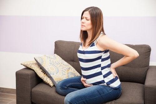¿Cómo prevenir la retención de líquidos en el embarazo?