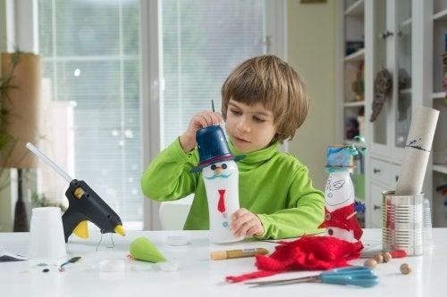 4 fabulosas ideas para hacer juguetes reciclados. ¡Te fascinará!