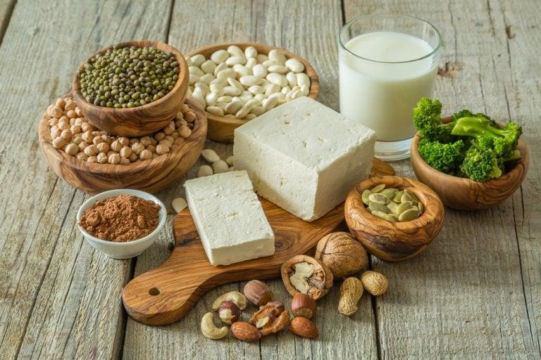 Alimentos y suplementos que no pueden faltar en una dieta vegana