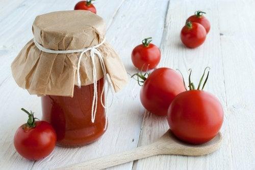 Cómo embotellar tus tomates y por qué hacerlo