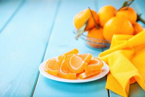 Cómo hacer tus propias golosinas expectorantes de mandarina para aliviar el resfriado