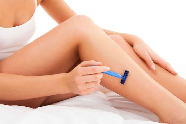 Cómo evitar los cortes por cuchilla al depilar