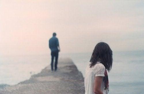 8 pasos hacia la curación cuando tu relación se está desmoronando