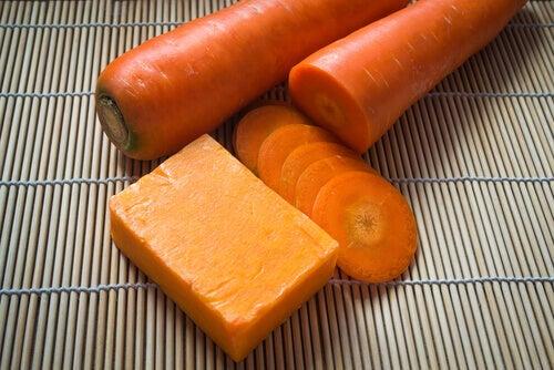 Cómo preparar jabón de zanahoria