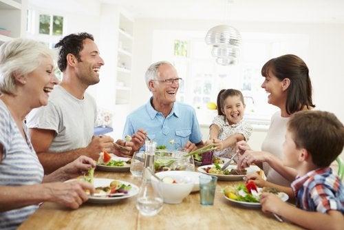 La importancia de comer en familia