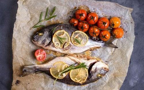 Prepara un exquisito pescado al horno en sus jugos
