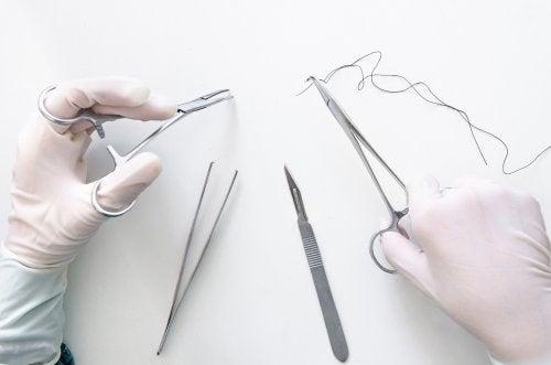 7 tipos de suturas que todo estudiante debe conocer