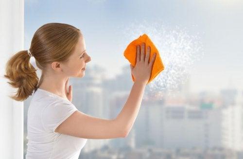 ¿Cómo limpiar los vidrios de tu casa de manera más efectiva?