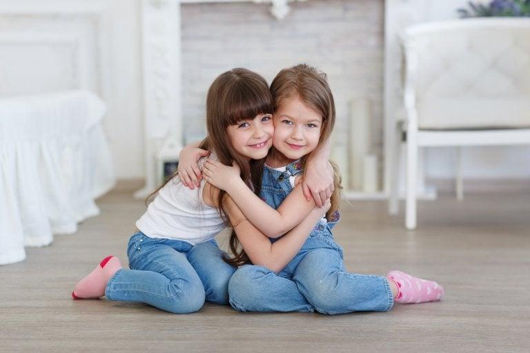 Ayuda a tu hijo a entender quién es un amigo verdadero