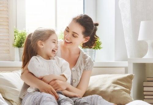 5 formas de decirle a tu hijo que lo quieres
