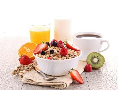 5 alimentos que debes incluir en el desayuno para adelgazar