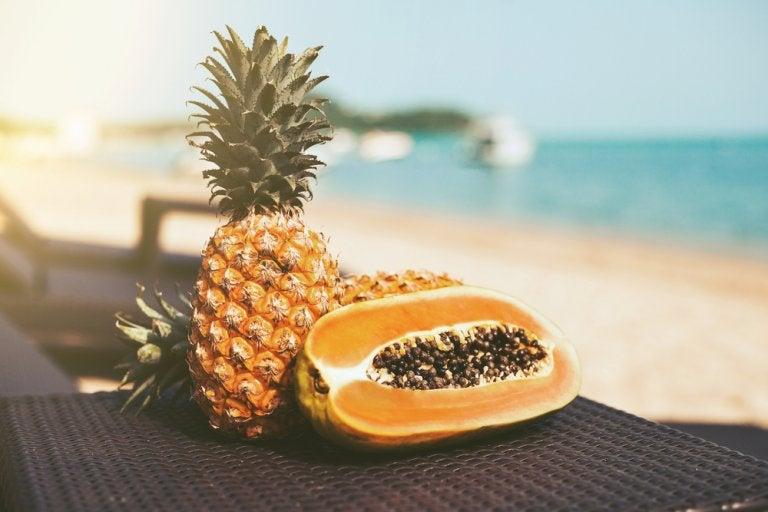 Desintoxica tu cuerpo con esta dieta depurativa de papaya y piña