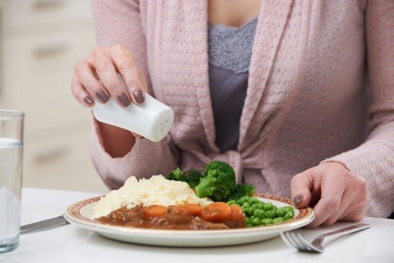 Dieta hiposódica, la sal bajo control