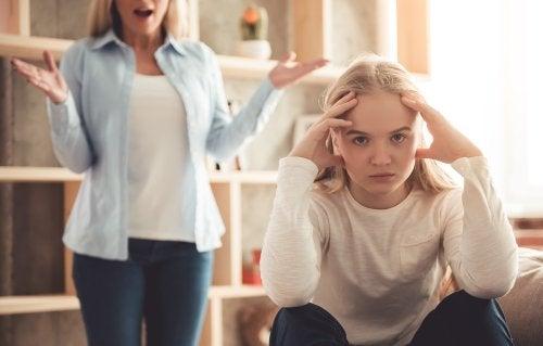 ¿Qué hago si mi hijo no está de acuerdo conmigo?