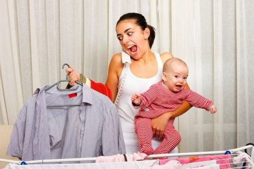 Las madres también tienen derecho a llorar de cansancio
