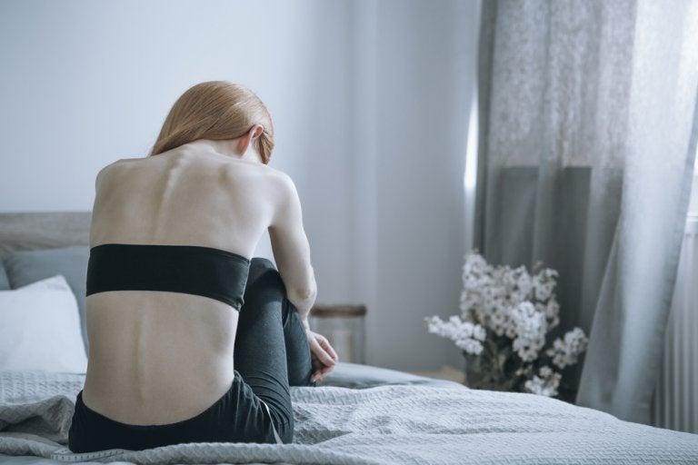 8 consecuencias de la bulimia: físicas y psicológicas
