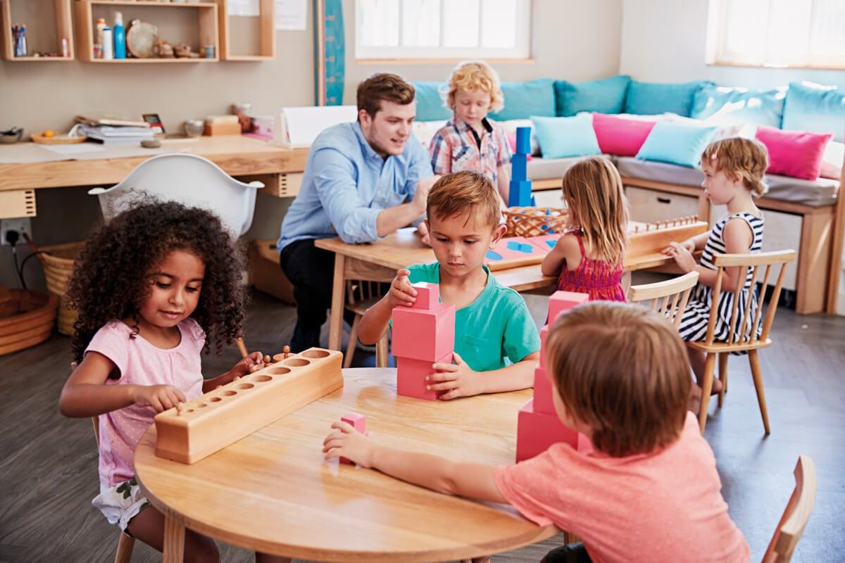 Niños motivados en su etapa educativa