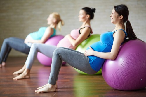 Ejercicios de estiramiento antes de dar a luz