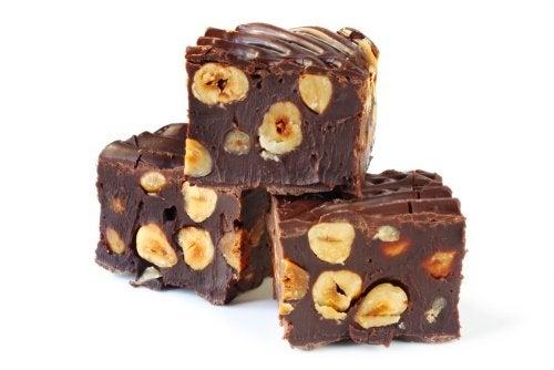 Turrón de chocolate y nueces: 3 recetas deliciosas